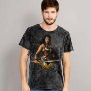 Camiseta Masculina Marmorizada Wonder Woman Warrior For Peace