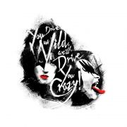 T-shirt Premium Feminina Kiss Dressed To Kill