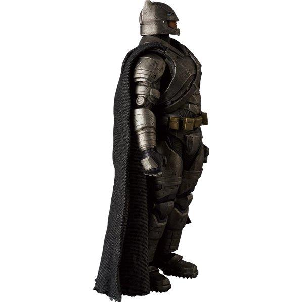 Boneco Armored Batman: Batman Vs Superman Dawn Of Justice: MAFEX - Medicom