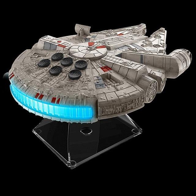 Star Wars Episode VII Millennium Falcon Alto-Falante Bluetooth - ThinkGeek